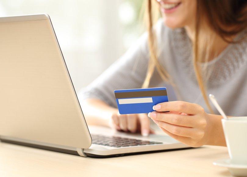 5 errores que las mujeres cometen al usar la tarjeta de credito